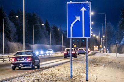 Oulun liikenteen pullonkaulana tunnetun Kuusamontien parantaminen etenee pienin ja hitain askelin