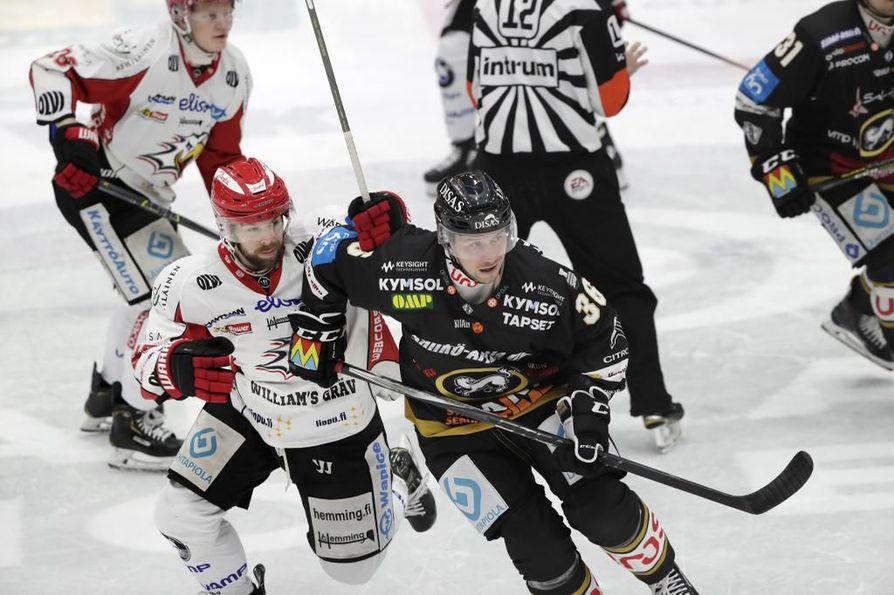 Jussi Jokinen (oik.) teki paluun Oulun Kärppiin lauantaina.