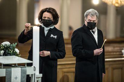 """Presidentti Niinistö: """"Voitolle jäädään"""" – Itsenäisyyspäivää on vietetty poikkeuksellisesti poikkeuksellisissa oloissa"""