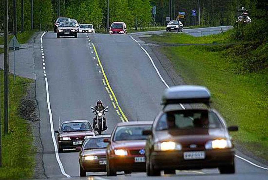 Vehviläinen: Autoilun verot kilometrien mukaan