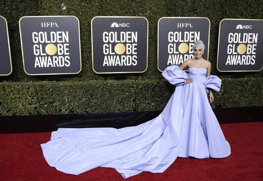 Lady Gaga oli ehdolla parhaaksi naisnäyttelijäksi elokuvasta A Star is Born. Palkinto meni sivu suun, mutta lohdutusta toi parhaan elokuvalaulun palkinto.