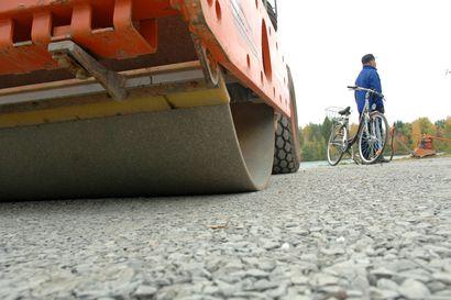 Pian pääsee pyöräillen Riutunkarin lauttarantaan - Toukokuussa ryhdytään rakentamaan kevyenliikenteenväylää Salonpääntieltä lauttarantaan