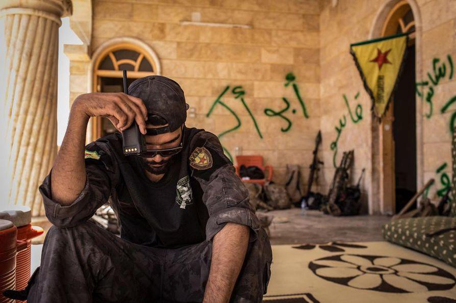 Marcello johti miehiä Raqqassa. Joukossa oli väkeä muun muassa Saksasta, Suomesta ja Yhdysvalloista.