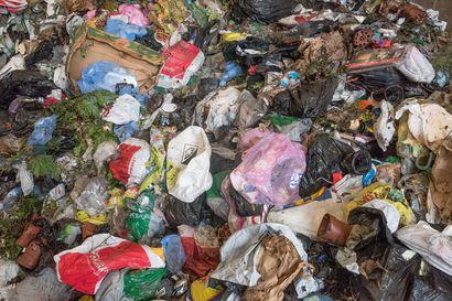 Rekkakuormallinen kuusamolaisten jätteitä kuljetetaan joka arkipäivä Ouluun – nyt mietitään, kannattaisiko ne sittenkin polttaa lämmöksi paikan päällä