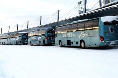 TUI:n matkaperuutukset ja STM:n tuore maahantuloesitys lyövät naulat talvimatkailun arkkuun