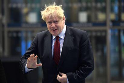 Johnson sanoo brexitistä seuraavan tarkastuksia Irlannin rajalle, Irlanti tyrmää ajatuksen