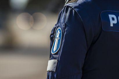 Autoilija kaahasi korttinsa poliisin haltuun Suomussalmella – 135 kilometrin tuntinopeutta 80 km/h-alueella