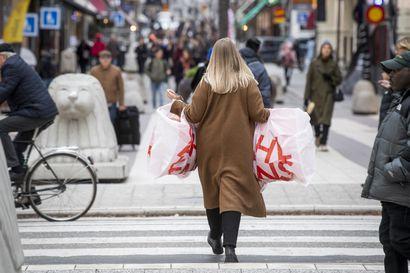 Ruotsi hätää kärsimässä, suositusten sijaan joudutaan turvautumaan poikkeuksellisiin kieltoihin
