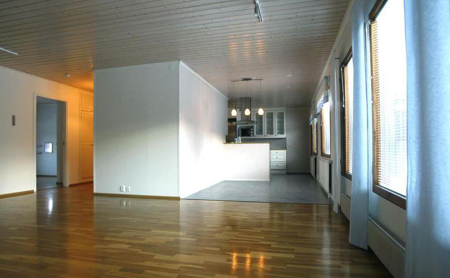 Monessa suomalaisessa kodissa sisäilmaa huonontaa puutteellinen ilmanvaihto. Kuvituskuva.