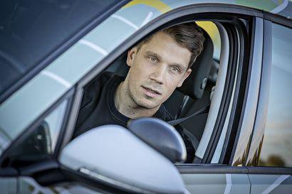 """Kysyimme: Saako 17-vuotias ajokortin liian helposti? """"Valtaosa 17-vuotiaista on vastuullisia kuljettajia, joten heitä ei pidä rangaista siitä, että ikätoverit hölmöilee"""""""