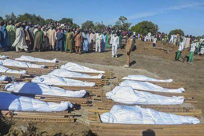 Nigeriassa jouduttiin jälleen pitämään hautajaisia väkivallan uhreille – Boko Haram hyökkäsi maataloustyöntekijöiden kimppuun