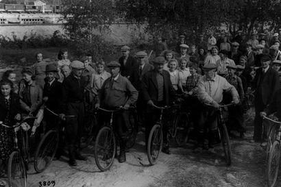 Talkoilla pidettiin pirtitkin lämpiminä –Kotirintamalta edellytettiin sotavuosina yhteisvastuullisuutta
