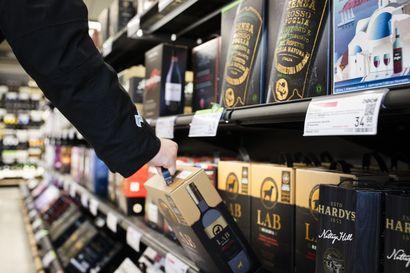 """Ruotsin """"Alko"""" kokeilee itsepalvelukassoja – voisiko sama olla mahdollista viiniostoksilla Suomessa?"""