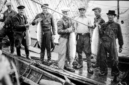 Kesällä 1939 Muurolan lohipadolle saapui arvovaltainen seurue – ainutlaatuiset kuvat kertovat illasta, jolloin kukaan ei vielä arvannut, miten kohtalokas aika oli alkamassa