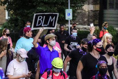 Ovatko kolme kuukautta jatkuneet BLM-protestit tuoneet muutoksia? Wisconsinin mielenosoituksissa kaksi kuolonuhria, silminnäkijä kertoi ampumistapauksesta lisätietoja