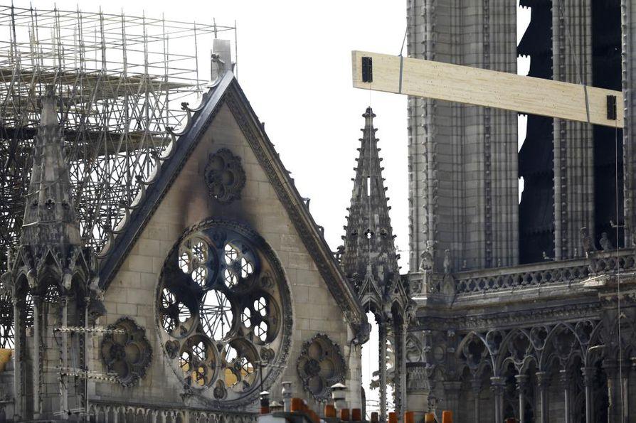 Pariisin Notre-Damen tulipalosta, jota sadat miljoonat ihmiset seurasivat suorana lähetyksenä, tuli järkyttävä sukupolvikokemus.