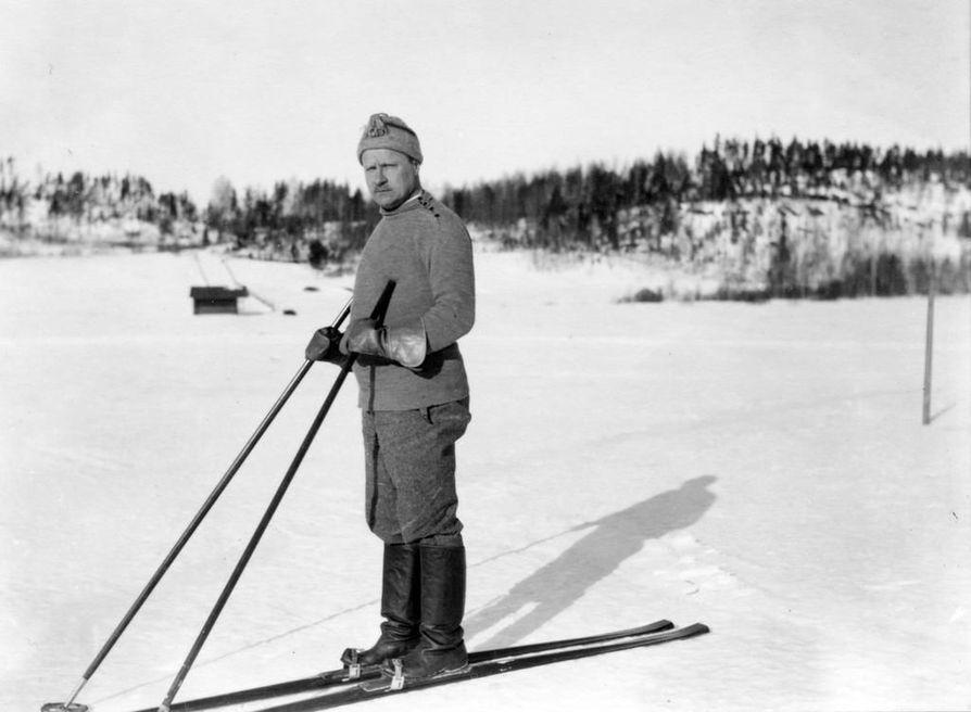 Väinö Tanner vastusti kapinaan lähtemistä ja hänestä tuli sisällissodan jälkeen SDP:n puheenjohtaja.
