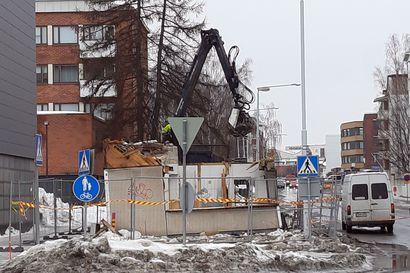 Ensimmäinen taksikoppi purettiin Rovaniemeltä,  lopuillakin purku-uhka