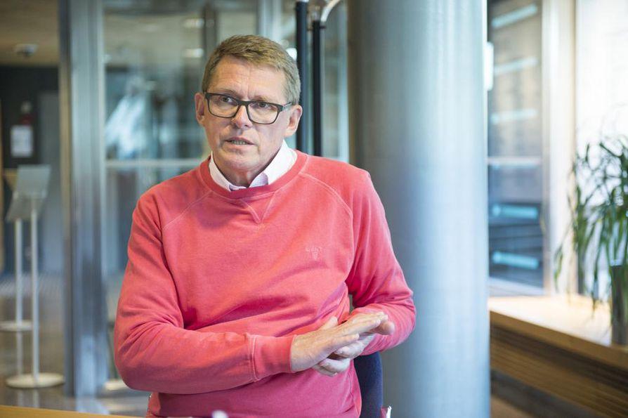 Keskustan eduskuntaryhmän puheenjohtaja Matti Vanhanen avaa sote-ratkaisun vaikutuksia.