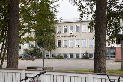 """Koululaisten karanteeni jatkuu Piippolassa torstaihin saakka – """"Aika iso määrä oppilaita etäopetuksessa"""""""