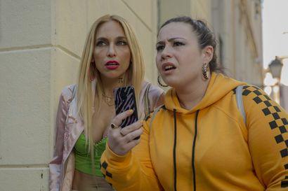 Voi niitä Madridin hupsuja hipstereitä – miten pikkukaupungin naiset sopeutuvat über-cooliin ympäristöön?