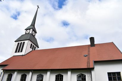 Jumalanpalvelus Kuusamon Pyhän Ristin kirkosta – katso jutun linkistä