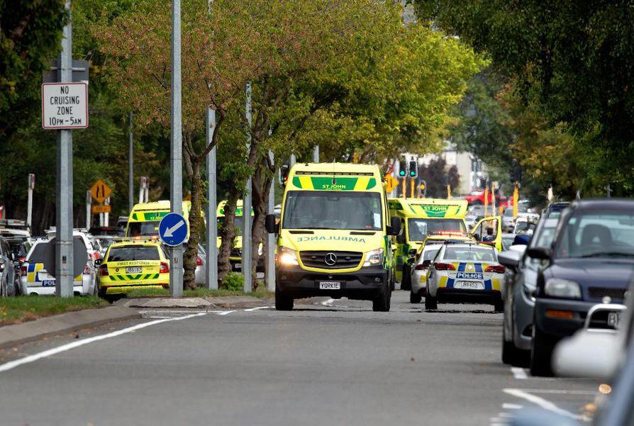 49 ihmistä kuoli ja kymmeniä haavoittui kahteen moskeijaan tehdyissä terrori-iskuissa Uuden-Seelannin Christchurchissa.