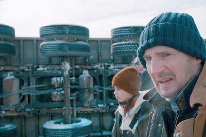 Arvio: Karismaattinen Liam Neeson vakuuttaa ennalta-arvattavassa jäähelvettiin sijoittuvassa jännärissä