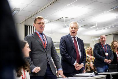 Ei tietoakaan kriisitunnelmista – Antti Rinne luetteli hallituksen saavutuksia demareiden puoluevaltuustossa Porissa
