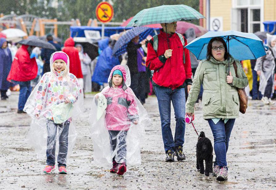 Herättäjäjuhlat keräsivät viikonloppuna yli 25 tuhatta kävijää. Kuva lauantailta.