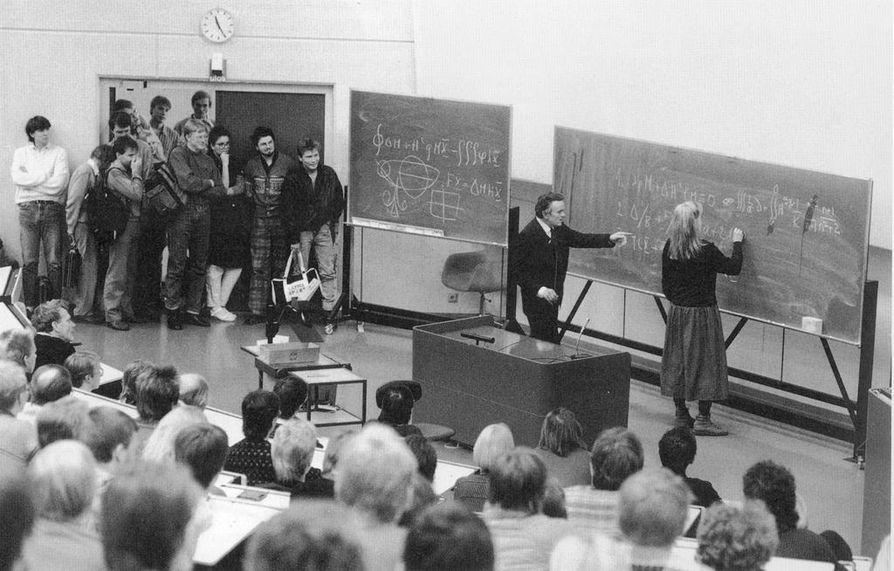 Aapo Heikkilän luennot olivat yliopiston suosituimpia, vaikka hänellä ei koskaan ollut opinto-oikeutta saati virallista asemaa.