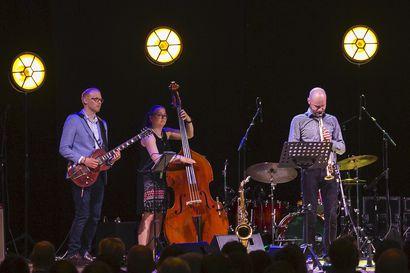 Raahelaislähtöisen jazz-saksofonistin vierailu avaa virtuaalikonserttisarjan