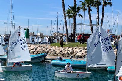 12-vuotias Solja pääsi purjehtimaan Espanjaan – katso kuvia upealta reissulta