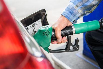 Bensiinin hinta kiivennyt jyrkästi kesällä – Lapista löytyy niin Suomen kallein kuin halvin bensa