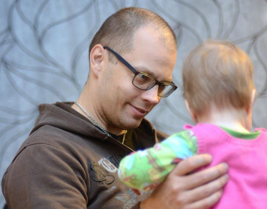Tuomas Rytky alkoi kirjoittaa blogia, koska halusi tallentaa kokemuksia sekä itseä, perhettä että läheisiä varten.