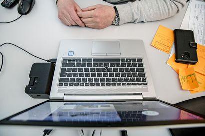 """Muistisairauksia voi esiintyä myös nuorilla –  """"Nykyään tietokoneen käyttötaidot unohtuvat usein ensimmäisenä"""""""