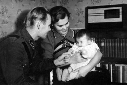 Anna ja Reino Rinteen rakkaustarina alkoi sota-ajan lehti-ilmoituksesta – Sata vuotta täyttävän Annan muistot ovat täynnä pohjoisten sanomalehtien historiaa
