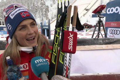 """Rukalla ylivoimaisesti hiihtänyt Therese Johaug: """"Olen todella iloinen"""""""