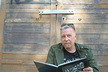 Juice, Puntti ja piuhattomalla kitaralla soittanut Matti Pellonpää – oululainen Elmo Salmi on tallentanut kamerallaan suomalaisten bändien historiaa