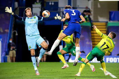 Norwichille nollapeli Chelseaa vastaan – tehottomuudesta kärsinyt Pukki putosi avauskokoonpanosta