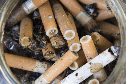 Taloyhtiöiden tupakointikiellosta päättämistä halutaan helpottaa – nyt kielto vaatii kaikkien osakkaiden suostumuksen
