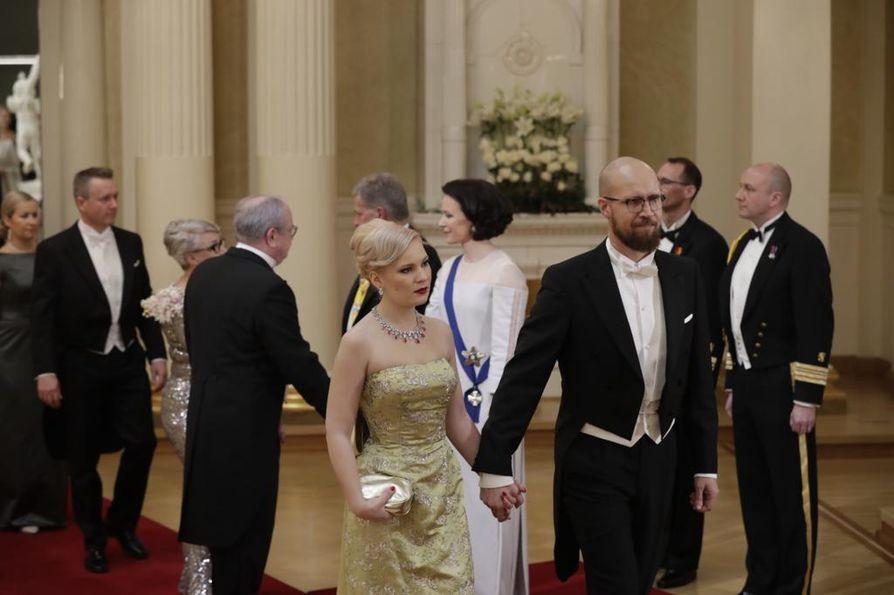 Touko Aalto on vihreiden kansanedustaja ja entinen puheenjohtaja. Hänen käsipuolessaan Linnan juhlissa oli Iiris Flinkkilä.