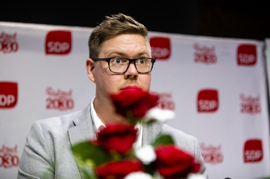 SDP:n eduskuntaryhmän puheenjohtaja Antti Lindtman on valmis pääministerin saappaisiin. SDP:n pääministeriehdokas selviää kuitenkin sunnuntaina puoluevaltuuston äänestyksessä.