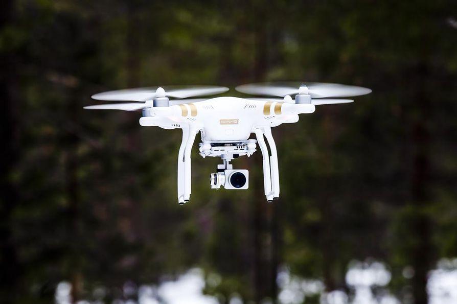 Dronet ovat aiemminkin aiheuttaneet ongelmia Arlandan lentokentällä. Arkistokuva.