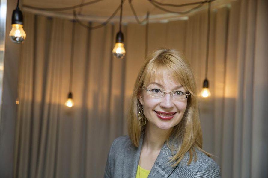 Oululainen kansanedustaja Tytti Tuppurainen (sd.) on feministiryhmän varapuheenjohtaja.