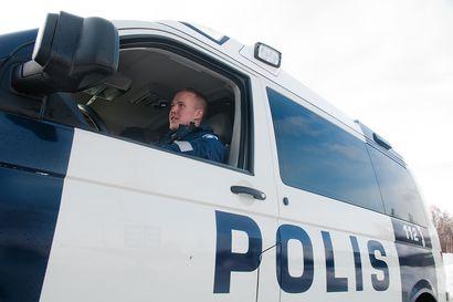 Poliisi kehottaa nuorisoa muistamaan poikkeustilan