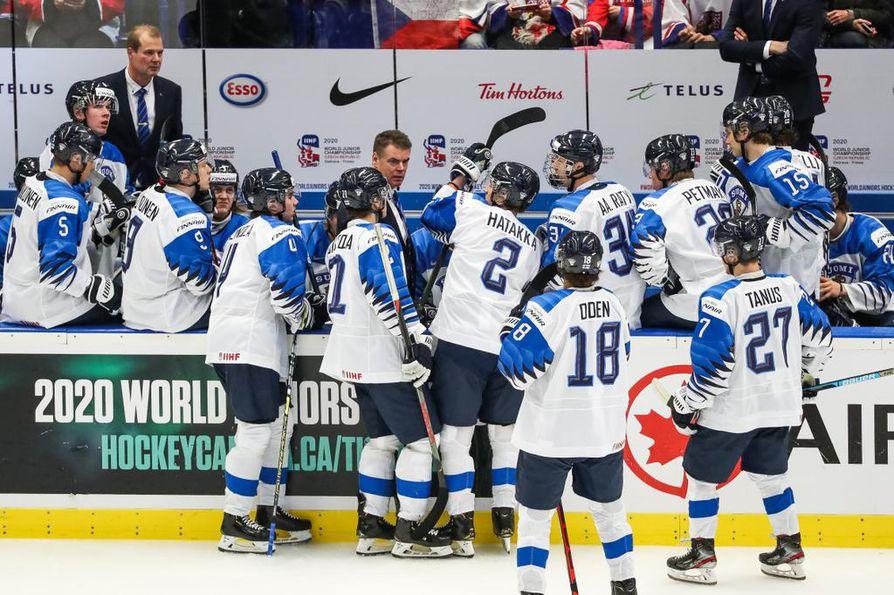Leijonien peli Kanadaa vastaan ei sujunut lauantaina ruusuisasti.