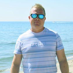 Kimakka Tatsi oli nuoruuden ykkösjuttu, nyt Lassilan Samin musiikkiharrastus jatkuu Fuengirolassa