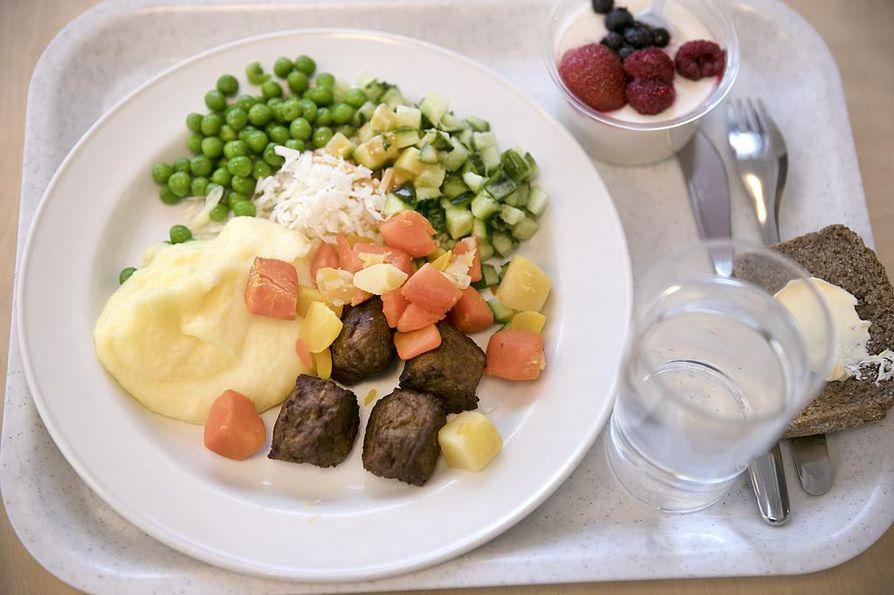 Oulun kaupungin tilapalvelut tuottaa ruoan esimerkiksi kouluille. Kuvituskuva.