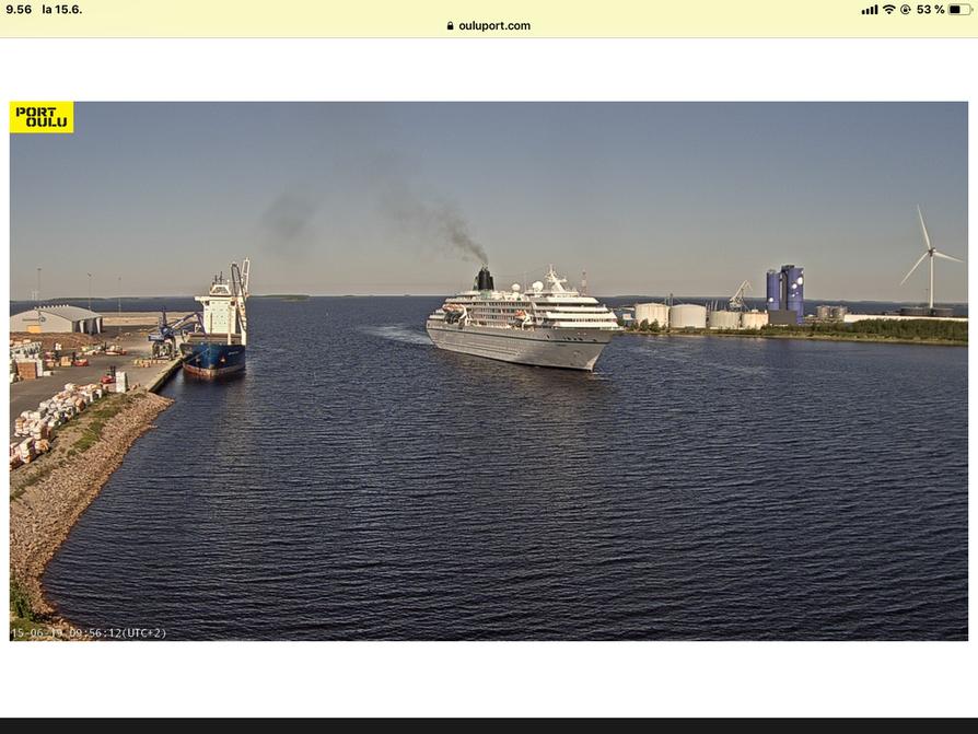Risteilyaluksen saapuminen tallentui satamakameraan.